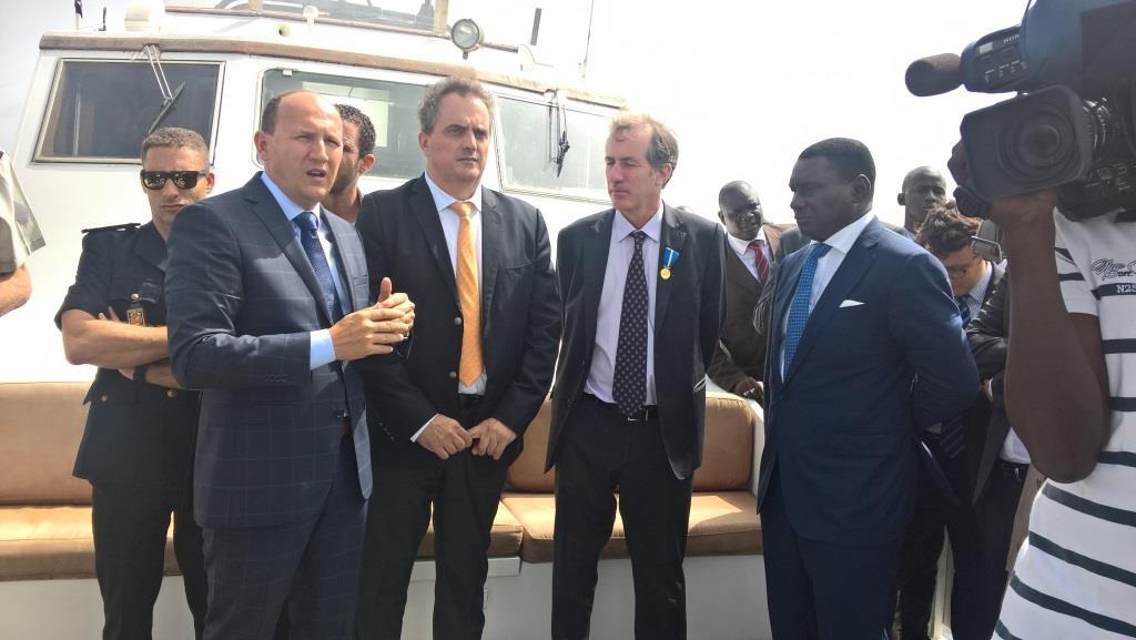 Visite de l 39 ambassadeur de france christophe bigot au port autonome la france au s n gal - Recrutement port autonome de dakar ...